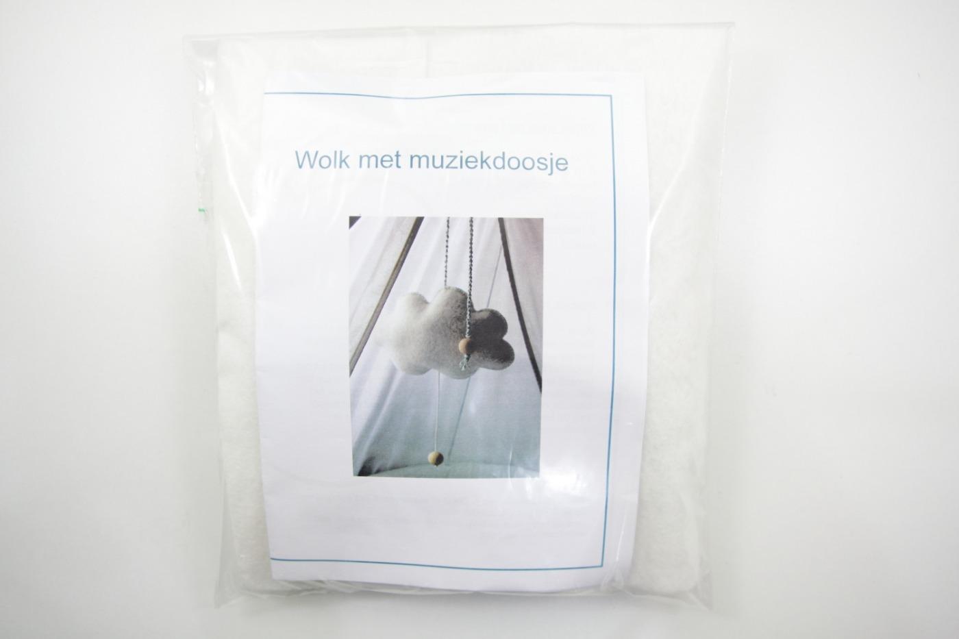 Pakket Wolk Met Muziekdoosje Vilt Wit