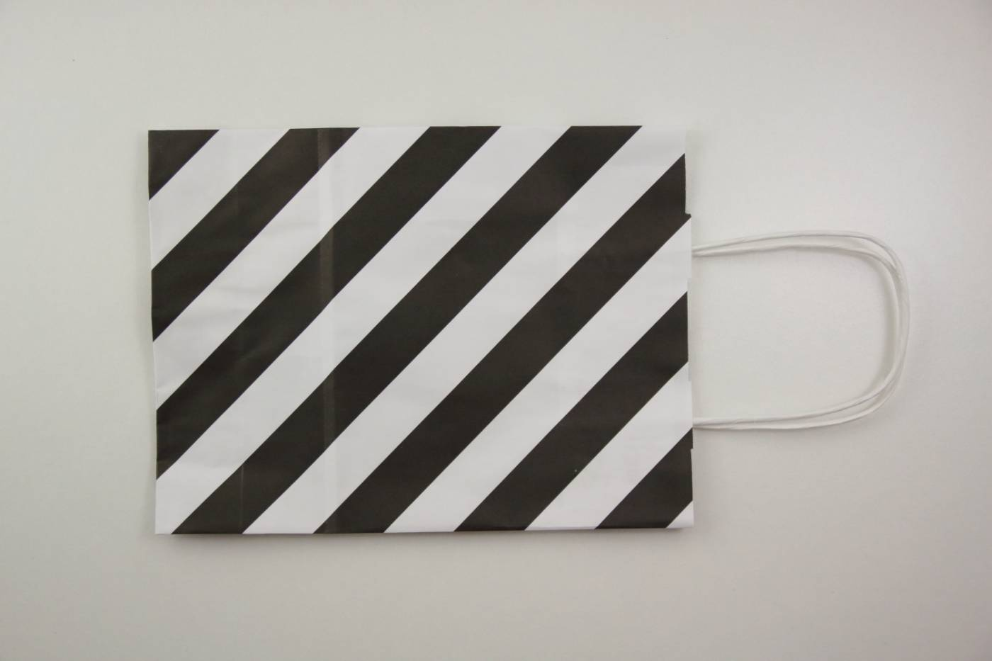papieren tas-paperbag-goodiebag-stripes-